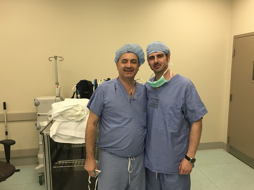Dr Adi Ahmetspahic with Prof Dr Kenan Arnautovic, Fellowship Director, in the operating room