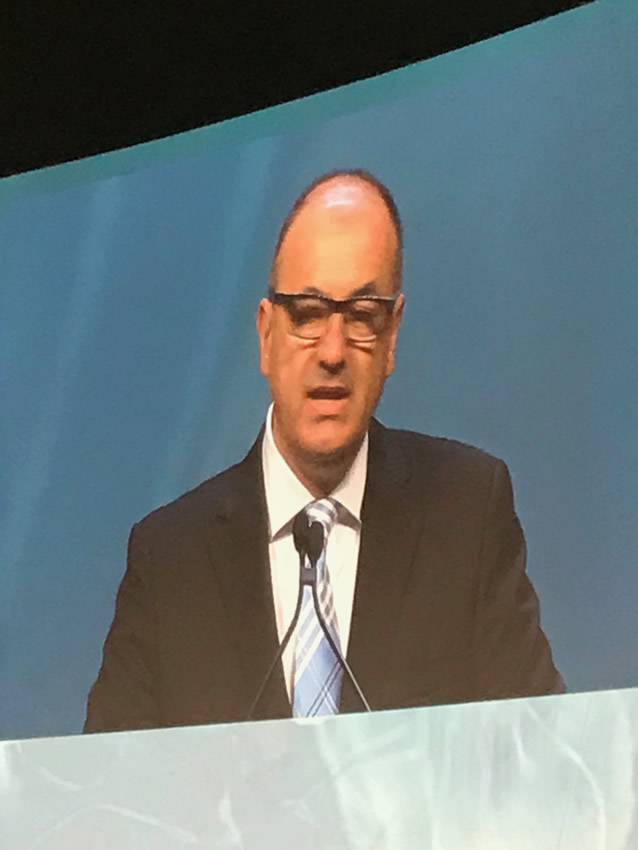 Dr Arnautovic introducing the president of the AANS