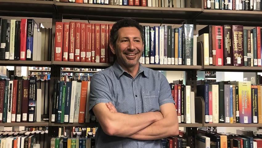 Američki Profesor Ismar Volić: Đaci Se Moraju Naučiti Da Riješe Stvarne Probleme